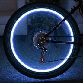 Ventieldop met LED flitslamp 112 blauw. 2 stuks incl. batterijen